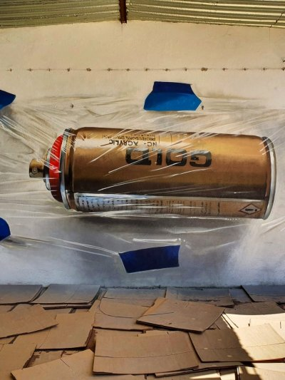 Montana gold can wrapped with plastic painted by odeith